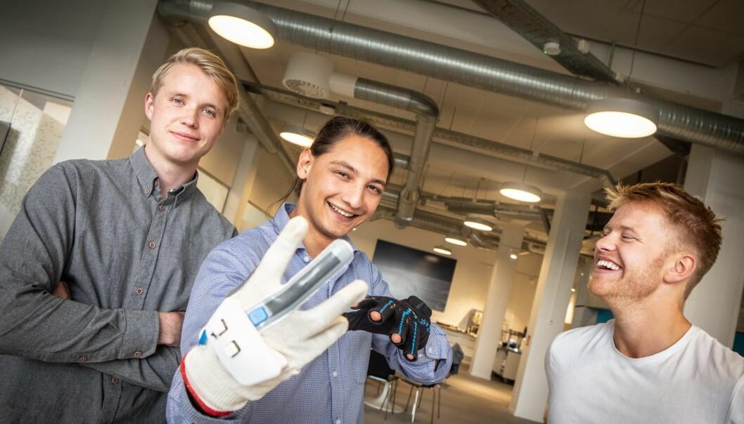 Utvikler Sondre Tagestad, COO og medgründer Moina Tamuly og CEO og medgründer Magnus Arveng. Foto: Vilde Mebust Erichsen