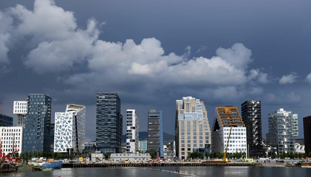 Mørke skyer over Barcode-rekken i Bjørvika i Oslo. Illustrasjonsfoto: Jon Olav Nesvold / NTB scanpix