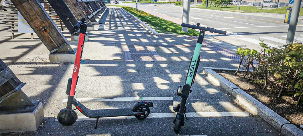 Oslo ser til Stockholm: Vurderer å straffe dårlig parkering av sparkesykler