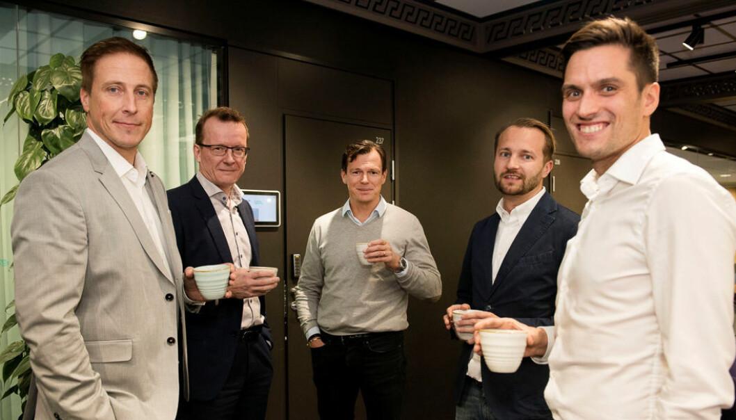Pekka Kari, administrerende direktør i CAP-Group (til venstre), styreleder Timo Leivo, Henrik Aspén, partner i Verdanen, direktør Iikka Moilanen og Janne Holmia, operasjonsleder i Finland.  Foto: Jussi Helttunen