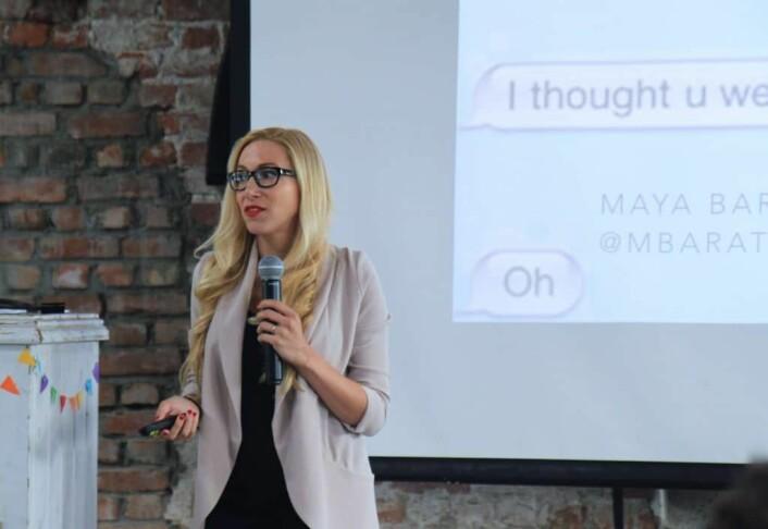 "Maya Baratz Jordan holder foredrag om direktemeldingsplattformer på ""An Interesting Day"" i august i år. Foto: Lucas H. Weldeghebriel"