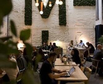 Deler ut 57 millioner til coworking-spaces og gründerhuber