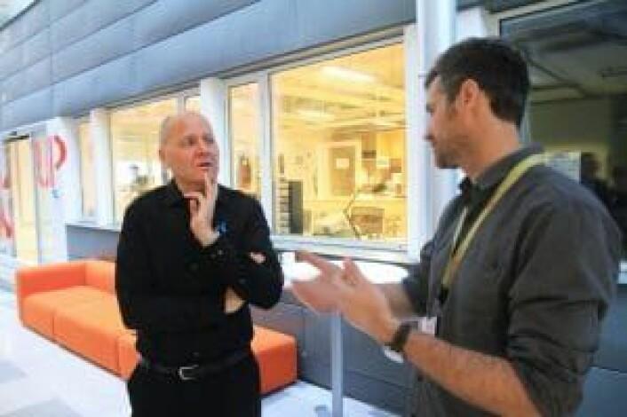 Telenor-sjef Sigve Brekke i diskusjon med StartupLabs Alexander Woxen. Foto: Lucas H. Weldeghebriel.