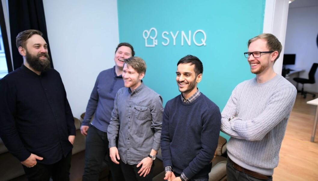 En del av Synq-teamet (f.v.)Halvard Eggen (utvikler), Stian Hauge (medgründer og daglig leder),  Kasper-Niclas Andersen (medgründer og designer), Majid Malik (markedssjef), Pål Torgersen (COO). Foto : Lucas H. Weldeghebriel.