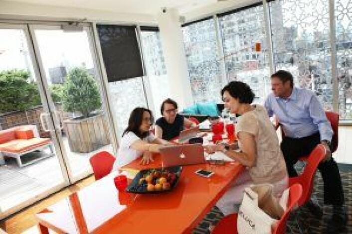 Kim og Marianne Hindsgaul i samtaler med mentorene Jeanne Sullivan og Beth Polish i ERA-akseleratoren til Innovasjon Norgei fjor. De to har nå blitt en del av Bubbly. Foto: Julie Evensen