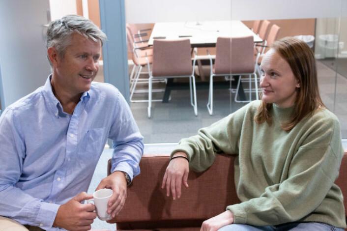Kjell Ivar Bache og Solveig Hagen Nilsen er to som helt bevisst har valgt å være en del av et gründermiljø. De har etablert BioBag, en bedrift med rundt 150 ansatte, som leverer miljøvennlig plast. Foto: Schibsted Brand Studio