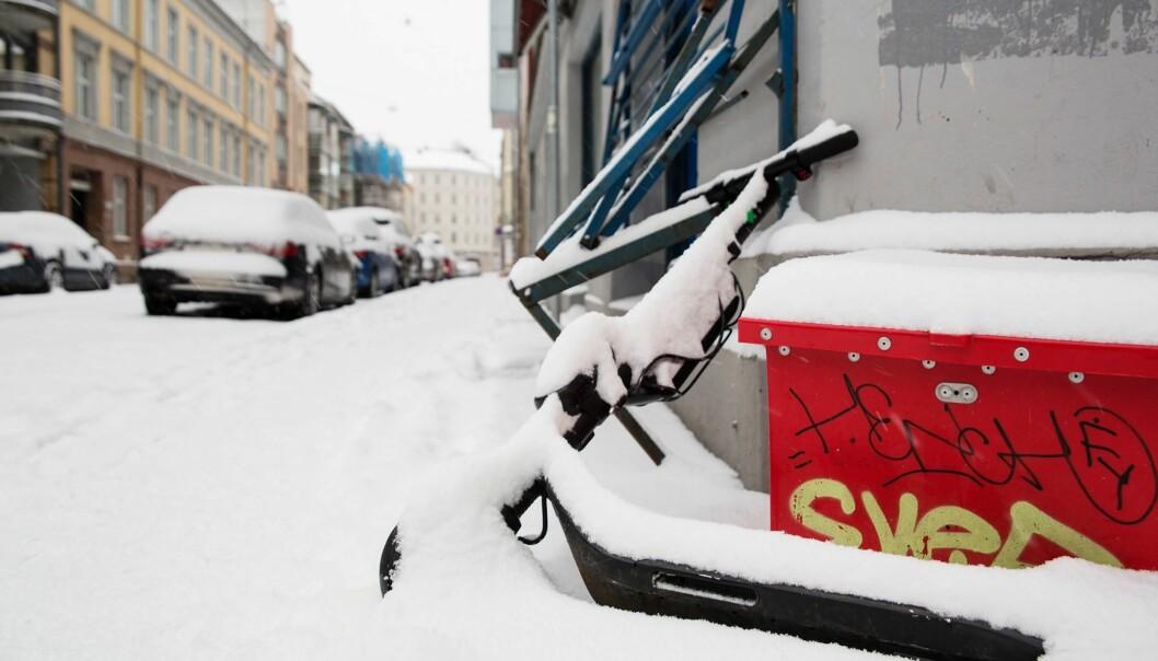 I helgen kom de første centimeterne med snø i Oslo. Ikke aller sparkesyklene ble hentet inn i tide.