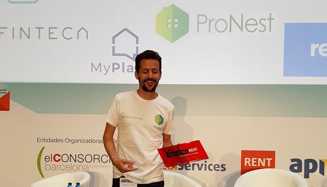 Country Manager Miguel Angel Bugallo, ProNest under utdeling av prisen fra Inmotecnia Rent, Sør-Europas største proptech konferanse. Foto: ProNest