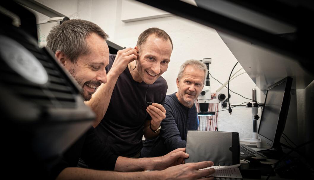 Stian Håland (til venstre), Stian Aldrin og Olav Kvaløy på kontorets lab i Oslo. Selskapet har i dag syv ansatte.