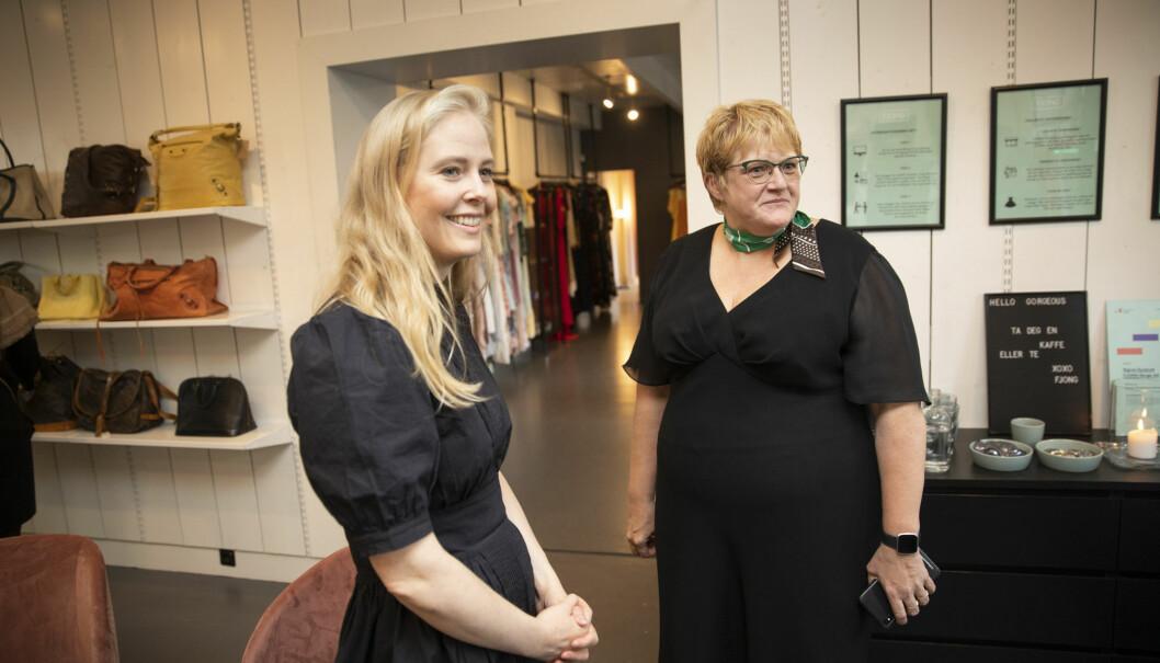 Trine Skei Grande på besøk hos gründer Sigrun Syverud og kjoleutleiebutikken Fjong på Frogner i Oslo tidligere i år. Foto: Tom Hansen / NTB scanpix