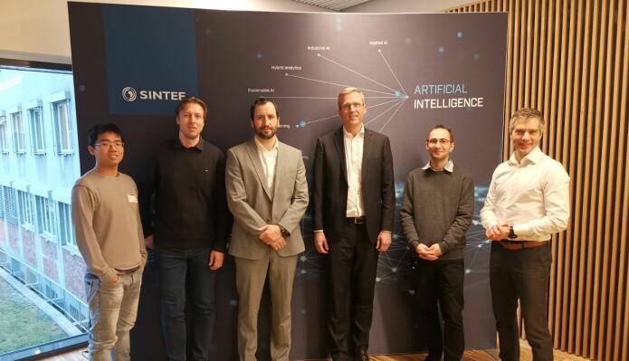 Fra venstre: Vu L. Tran (Nord universitet), Lars Nygaard, Alberto Guillen Jimenez og Thomas Nygaard (NorQuant), Volker Hoffmann og Anders Bryhni (Sintef).