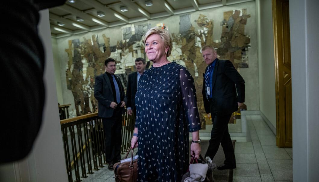 Finansminister Siv Jensen (Frp) tror ikke at OECDs løsning vil føre til at det «vil velte milliarder av skatteinntekter innover Norge eller andre land».