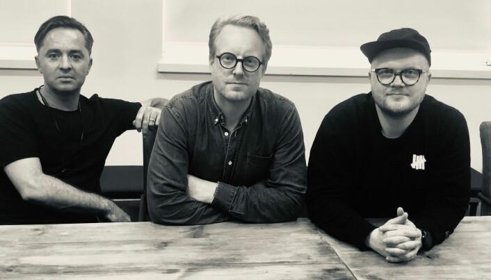 Voisey gründerne Pål Wagtskjold-Myran (til høyre) og Erlend Hausken (i midten) sammen med medgründer Olly Barnes.