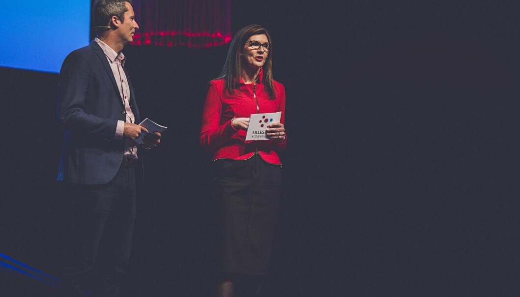Direktør Daniel Ras-Vidal i Kunnskapsbyen Lillestrøm og administrerende banksjef Siri Berggreen i LillestrømBanken er vertskap for Lillestrømkonferansen. Foto: Ellen Onsrud, Createurene.