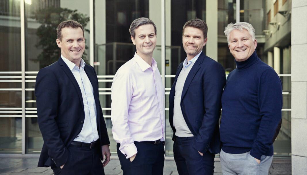 Hudya-gründer Børge Leknes (t.v.) trakk seg fra lederstillingen i Hudya i april. Her med konseptutvikler Pål Lauvrak (nr. 3 fra venstre) og markedssjef Morten Kvam.