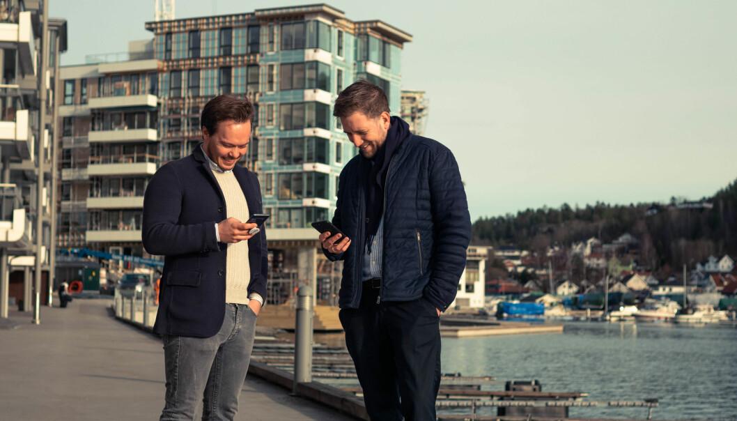 Nå satser også AF Eiendom på digitale nøkler. Finn Magnus Holden (til venstre), forretningsutvikler Unloc, og Marius Leiddal, eiendomsutvikler i AF Eiendom.