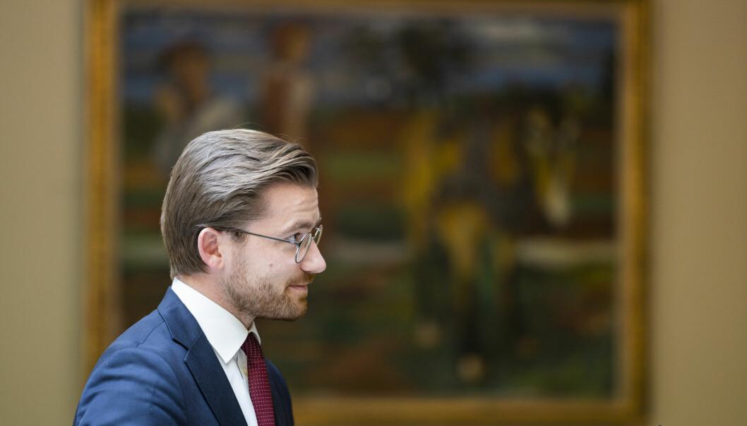 Klima- og miljøminister Sveinung Rotevatn (V) på Stortinget.