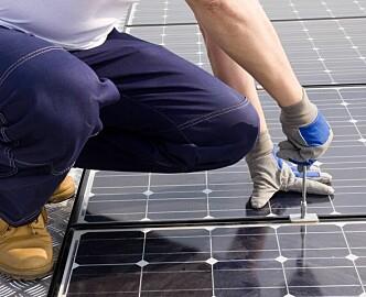 Fjordkraft tilbyr solceller i «bytte» mot lange avtaler