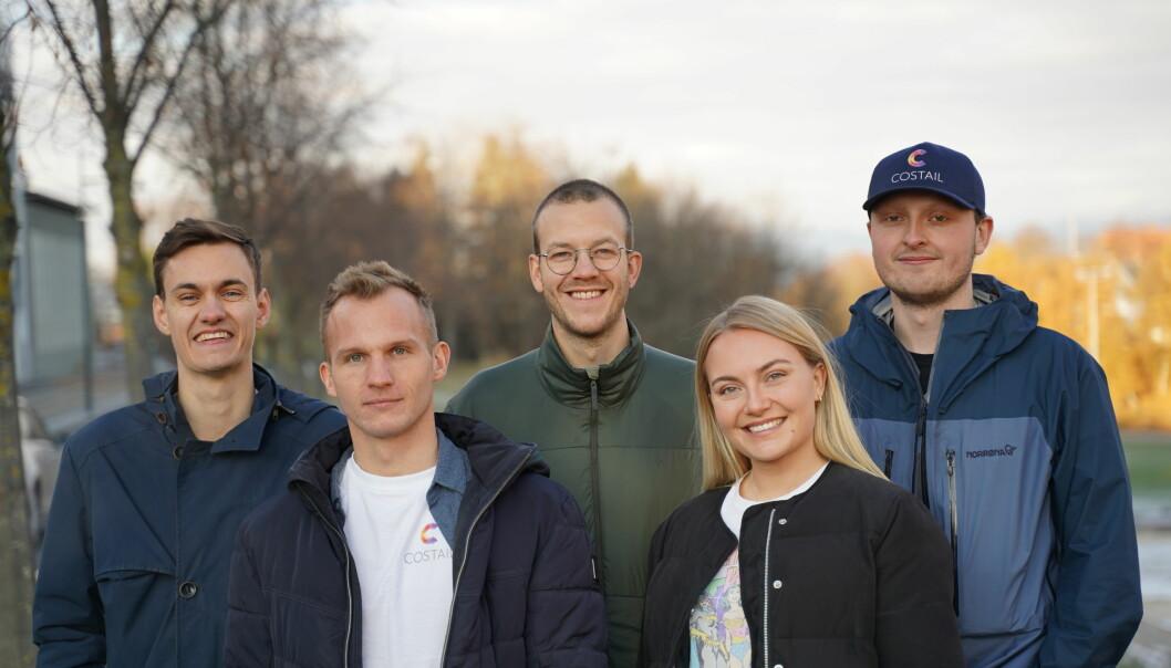 Cosgear-teamet (f.v.) Vetle Slagsvold Øien (CMO), Joar Gjersund (CLO), Ole Kristian Hartvedt Knudsen (CTO), Vilde Bergan (CEO) og Kjetil Vasstein (Lead engineer)