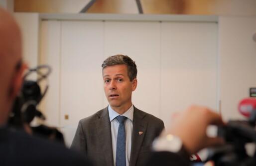 Samferdselsminister Knut Arild Hareide etter møte om elsparkesykler: Vurderer parkeringsbøter og omfattende promillekontroll
