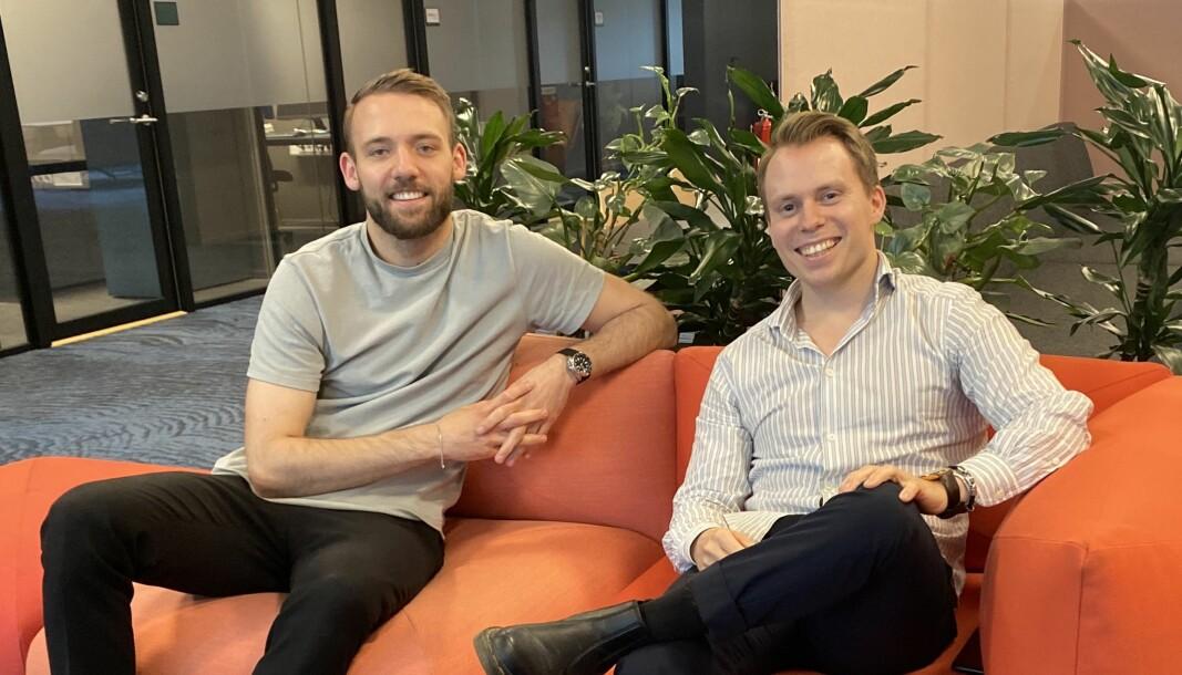 Daglig leder Martin Mathisen (t.h.) og kreativ leder Jørgen Eiane (t.v.) er sammen med Håvard Mathisen og Eirik Øra gründere av spillutviklingsselskapet Pazzing.