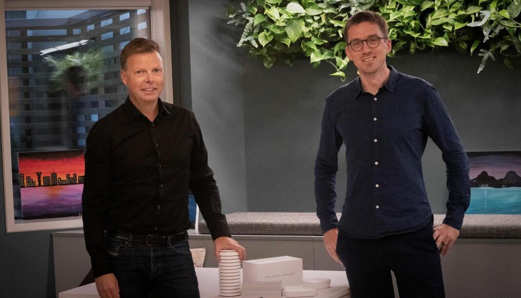 CEO i Airthings, Øyvind Birkenes, og CEO og gründer i Airtight, Per Magne Helseth.