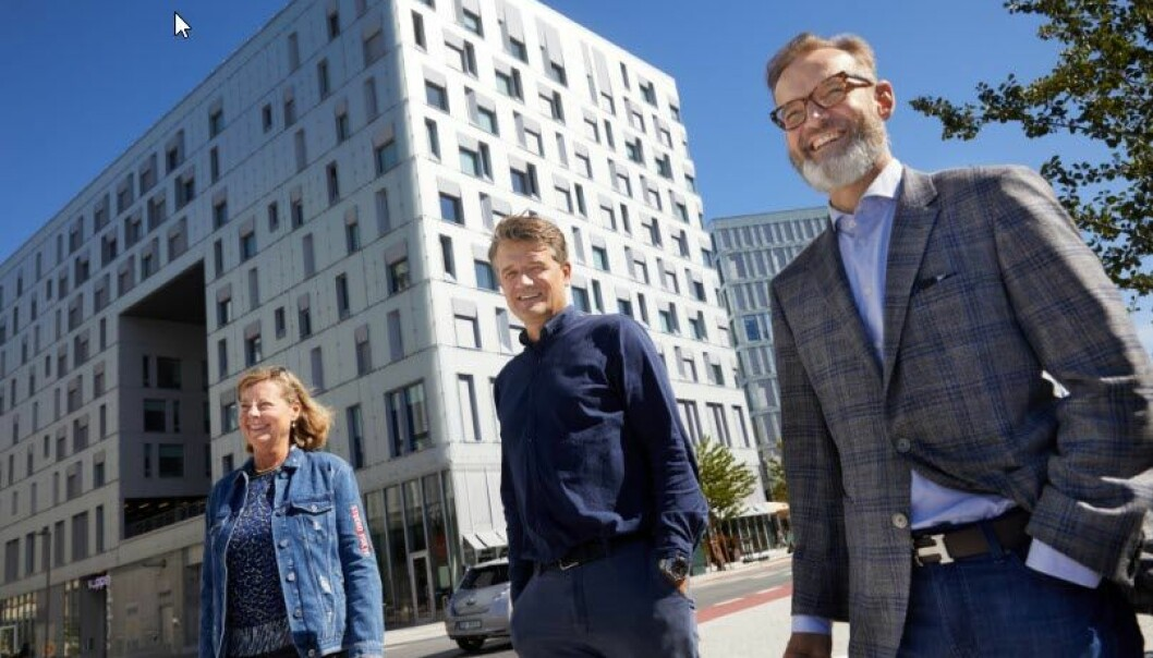 Nordensjef i Visa Henning Holtan (t.h.), Adm. direktør i Vipps Rune Garborg og Berit Svendsen, Leder Vipps internasjonal. .