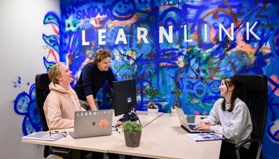 Aleksander Røe Strømshoved, Tellef Tveit, Emma Eriksson i Learnlink. Foto: Fartein Rudjord
