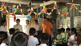 Bildet er tatt under en BDO-reise til en skole i Kambodsja: – Å se helt konkrete resultater av pengene som gis, motiverer oss til å jobbe enda mer til å fremme Redd Barnas arbeid, sier Kristine Skeie i BDO.