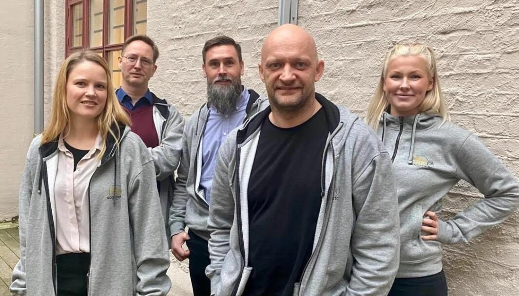 Teamet i Leid.no. Fra venstre: Marit Krogstad (PR), Håkon Stenbakk (CTO), Andreas Bukholm (Gründer), Thommy Tellefsen (Gründer) og Birna Jakobsdottir (intern)