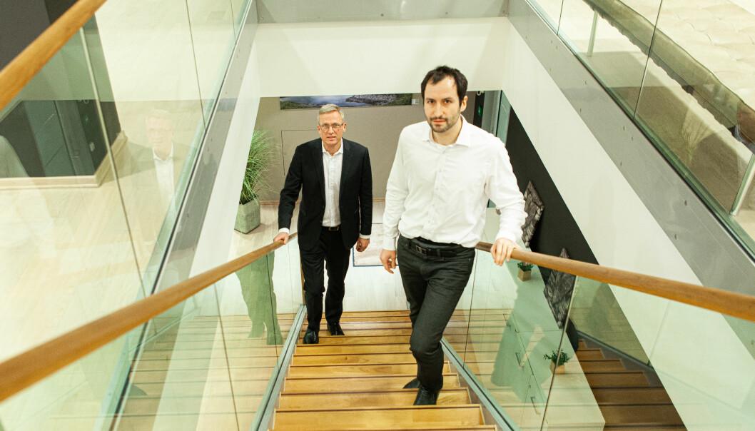 Thomas Nygaard daglig leder i NorQuant og analysesjef Alberto Guillén Jiménez gjør seg klare for å trykke på startknappen til fondvirksomheten.