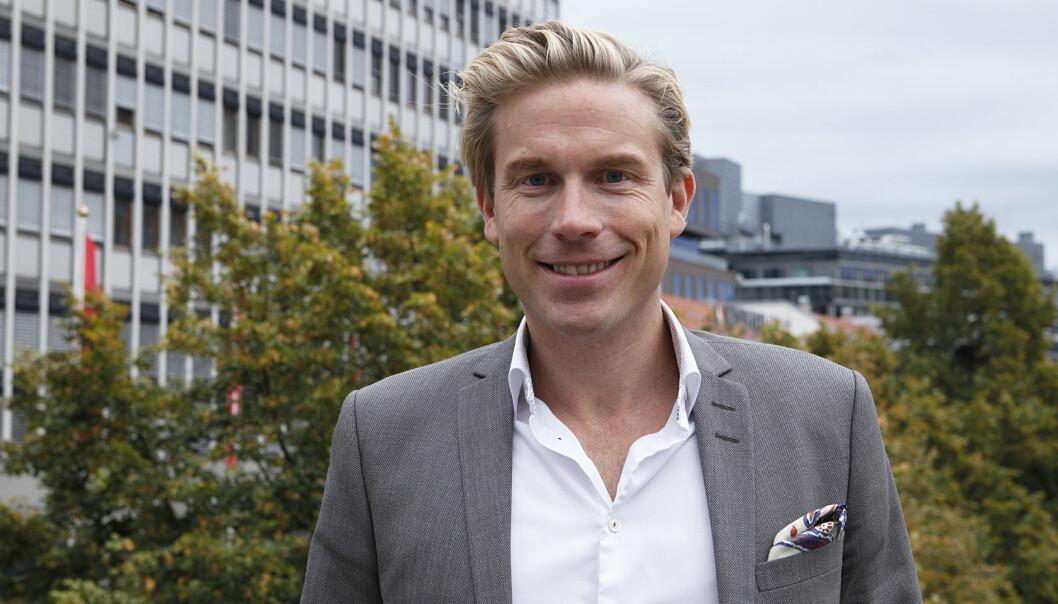 Christoffer Hernæs har lagt tiden som bankmann bak seg. Nå vil han hjelpe gründerselskaper både som rådgiver og engleinvestor.