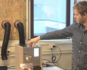 Utlendinger får ikke nok av den norske kaffebønne-brenneren. Nå vil Roest lage fremtidens kaffetrakter