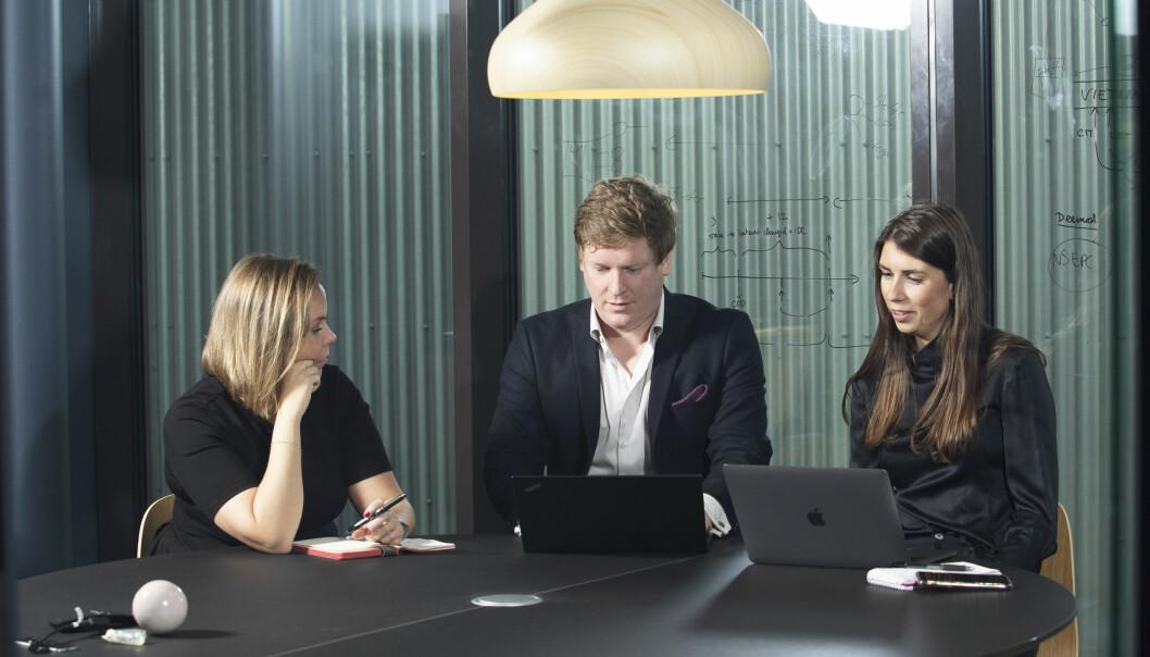 Sensonomic teamet. F.v. Katrine Osland Netland, Operations manager, Anders Gundersen, gründer og CEO, og Matilde Slotte, Product Manager.