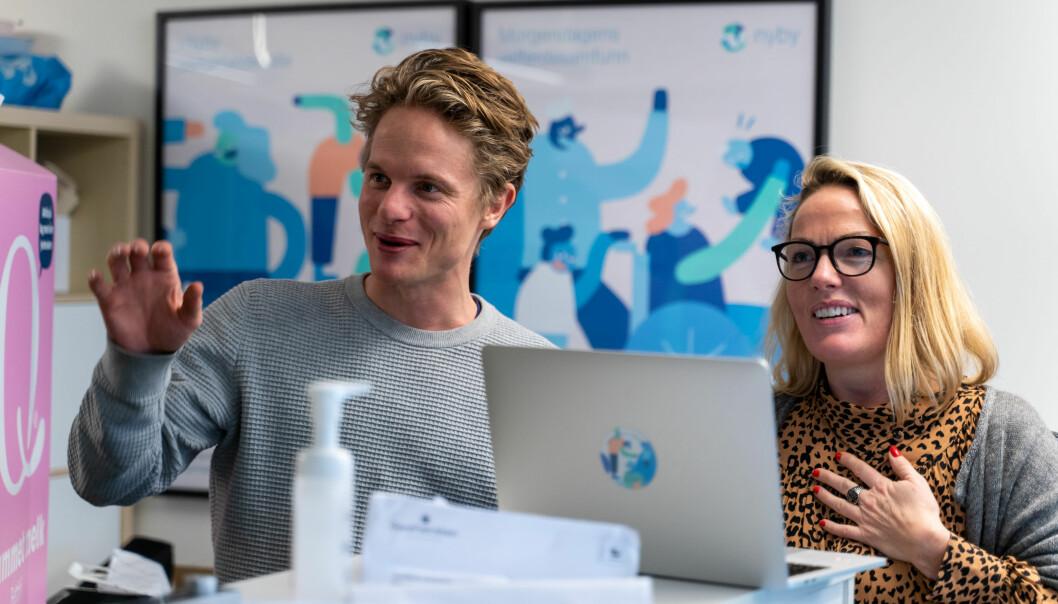 Medgründerne Fredrik Gulowsen og Kristina Tuhus i Nyby har opplevd sterk vekst gjennom koronatiden.