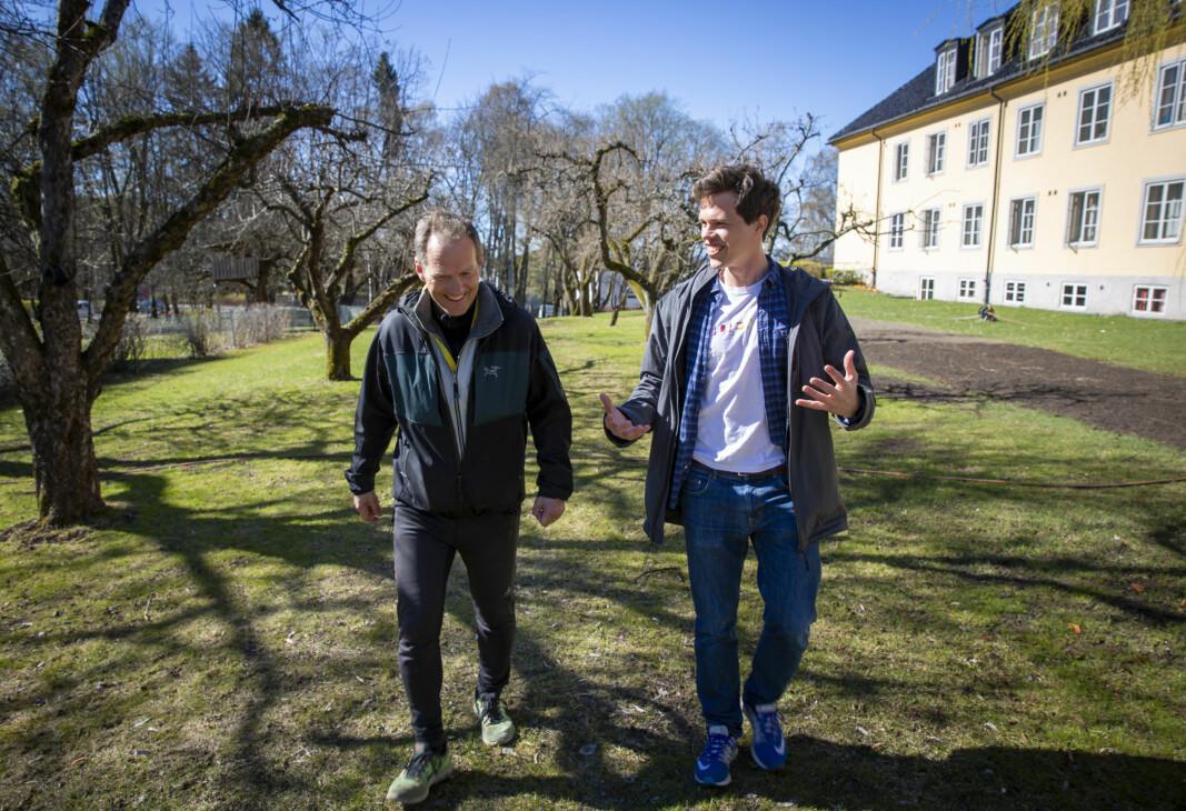 "Businessråd og personlige råd. Ludensos Eirik Wahlstrøm (t.v.) opplever at han kan si det meste til Rolf Assev, på ""walk and talk""-møtene de har hatt fra StartupLab."