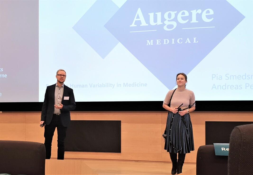 CEO Andreas Petlund og medisinsk ansvarlig Pia Smedsrud i Augere Medical pitchet under finalen i DNB Healthcare Prize 2019.