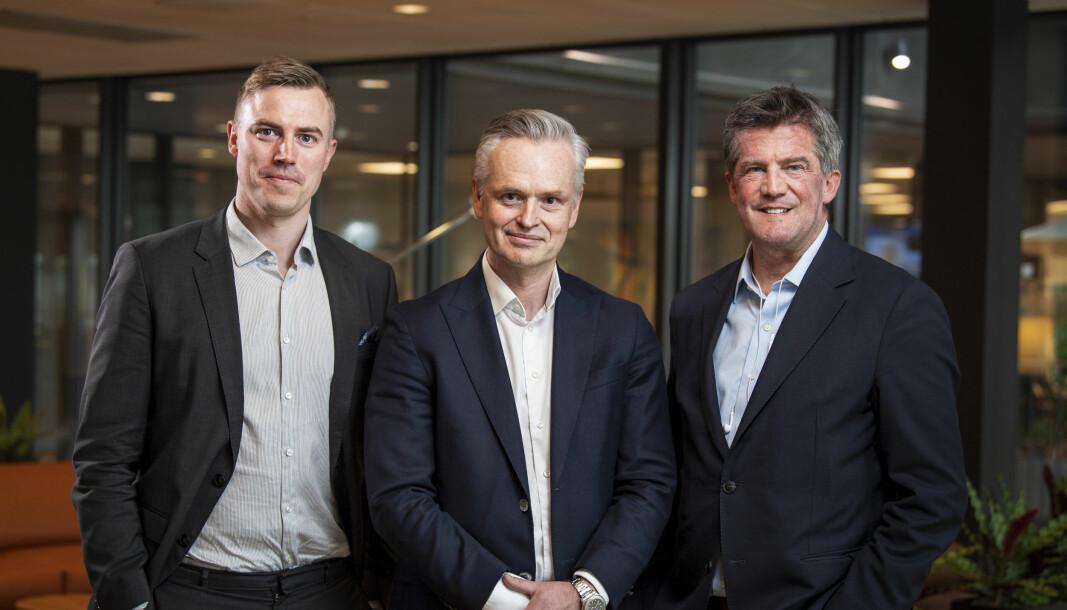 Grunnleger og konsernsjef i Kameo, Sebastian M. Harung (t.v.), sammen med sine hovedeiere Jonas Ström, administrerende direktør i ABG Sundal Collier, og Ilija Batljan.