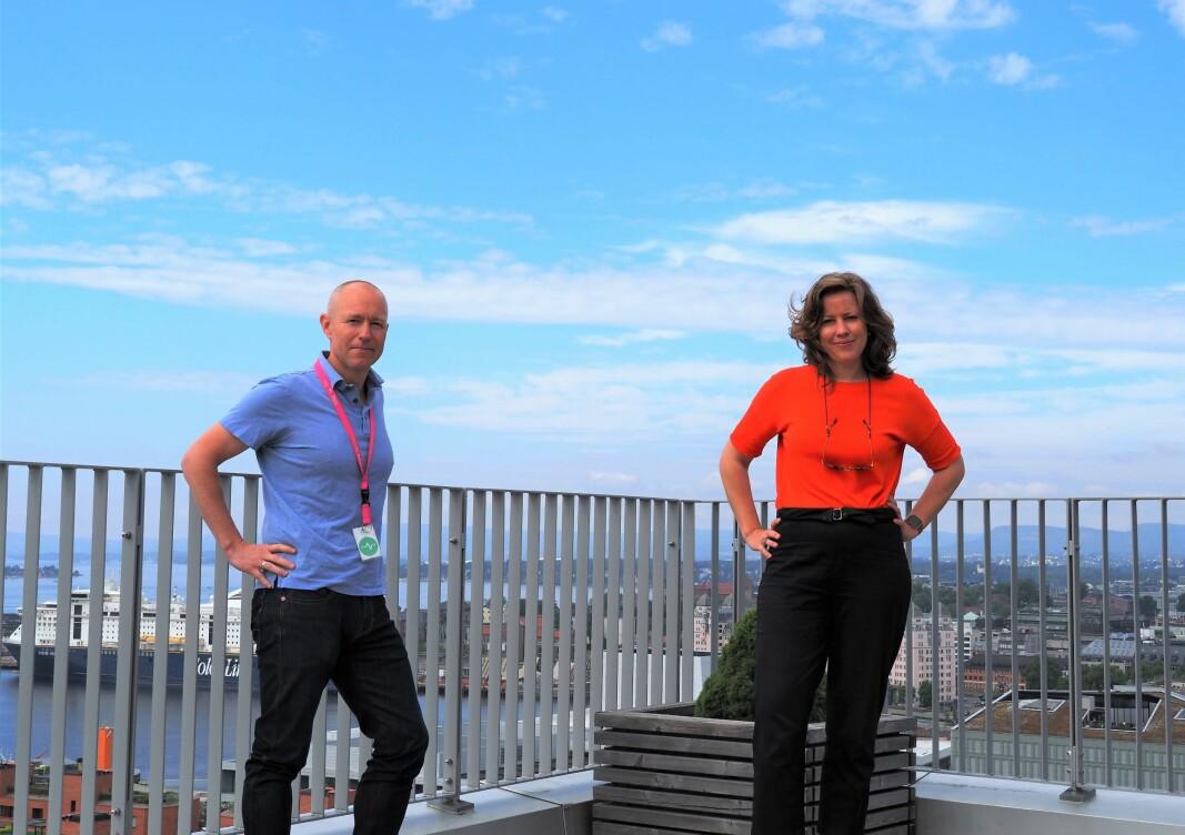 Leder for digitale kanaler i DNB, Tom Fredrik Lehrmann, og Lawbotics-gründer Merete Nygaard.