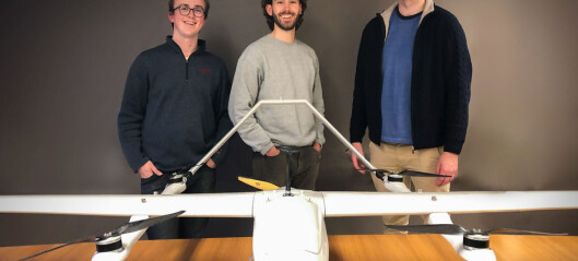 Studentene brukte pandemien til å starte droneselskap for frakt av biologiske prøver: Nå skal de fly utenfor landets grenser