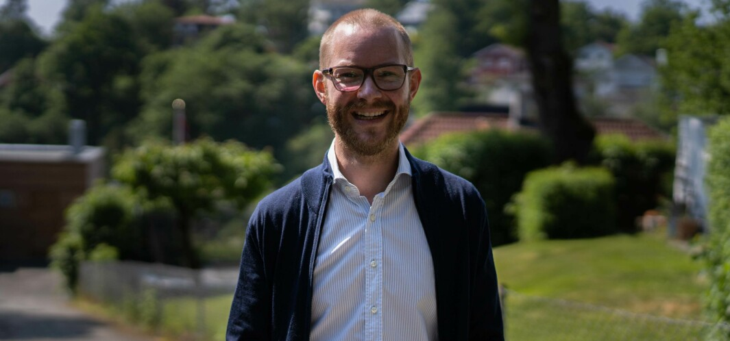 Kristoffer Rabben jobber med AI for Accenture - og digger det.