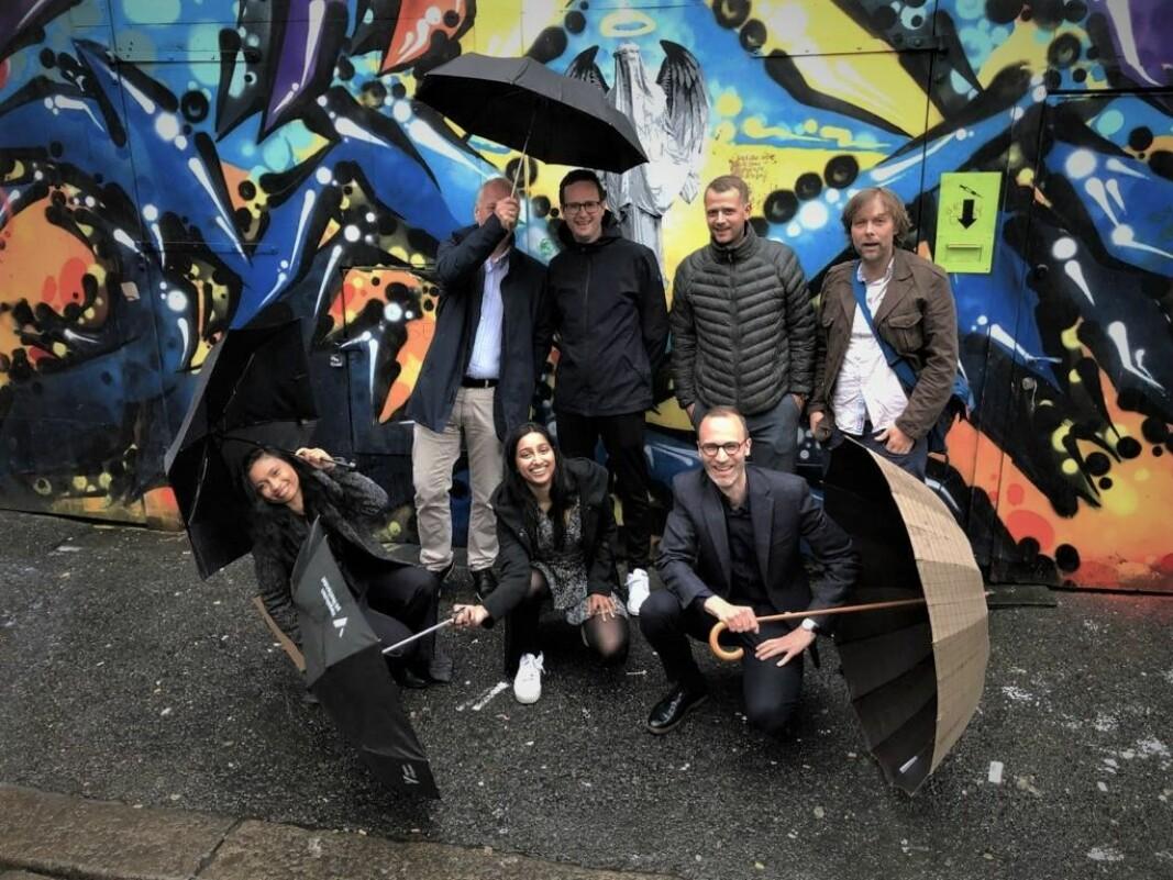 7Analytics-teamet. Nede fra venstre: Mathusha Sivapalan, Sarumathy Soosaipillai og Jonas Aas Torland Oppe Fra venstre: Rolf Monsen, Helge Jørgensen, Lars Sperrevik og Werner Svellingen.