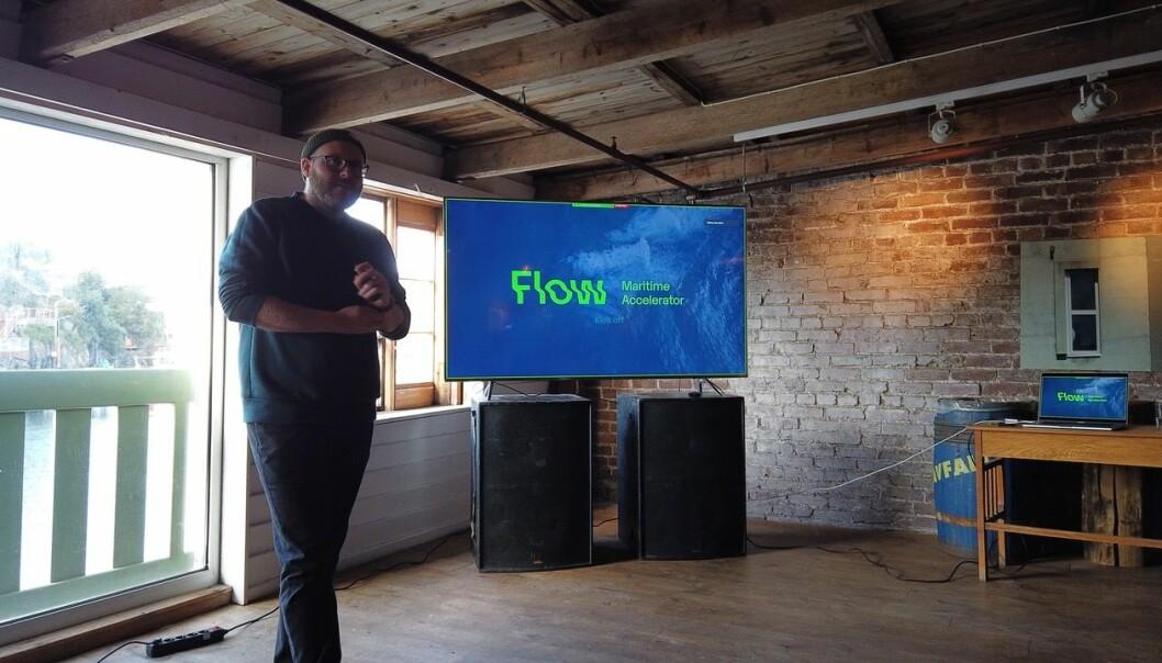 Daglig leder i Flow Accelerator - Hans Henriksen Mark, sikter seg nå mot gründerne med godt ideer innen havvind. Her fra en Flow-presentasjon et tidligere år
