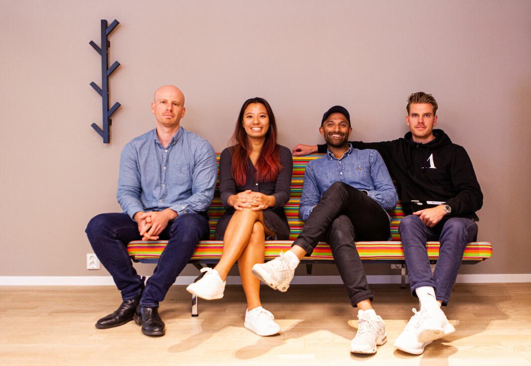 Datadrevne kodeknekkere i Aprila. Fra venstre: Åsmund Ervik, teknolog, Truc Nguyen, anlytiker, Israr Khan, produkt og teknologi-sjef og Andreas Rose produktsjef for digitale lån.