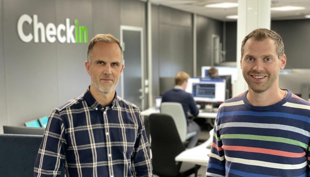 Salgs- og markedssjef Kjell Ingvar Torvik (t.v) og daglig leder Kristian Løining i Kristiansand-baserte Checkin ser optimistisk på fremtiden etter at pandemien ikke ble så ille som først fryktet
