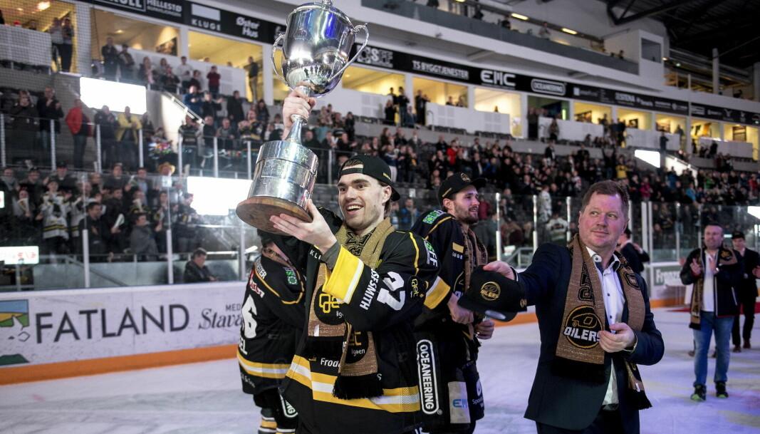 Henrik Medhus etter ishockeykampen mellom Stavanger Oilers og Vålerenga i DNB Arena som endte 5-3. Nå er det en nye seire han sikter mot utenfor isbanen.